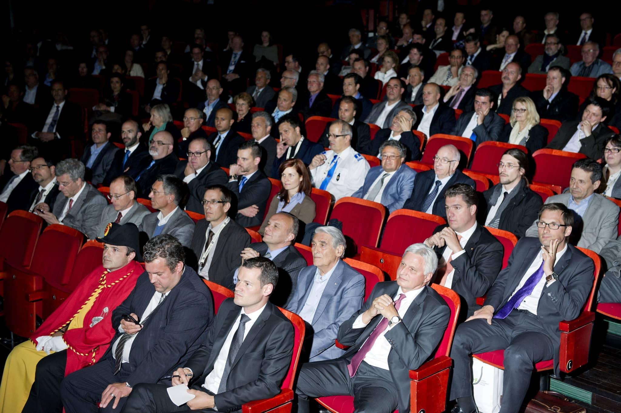 27/05/2014. Théâtre du Forum. Meyrin. Symposium du Forum Economique de Meyrin (MEF). Pierre Abensur/Commune de Meyrin.